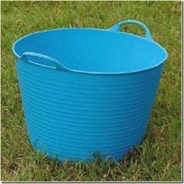 Where to Toss the Weeds Buckets and Bags to Hold Garden Waste