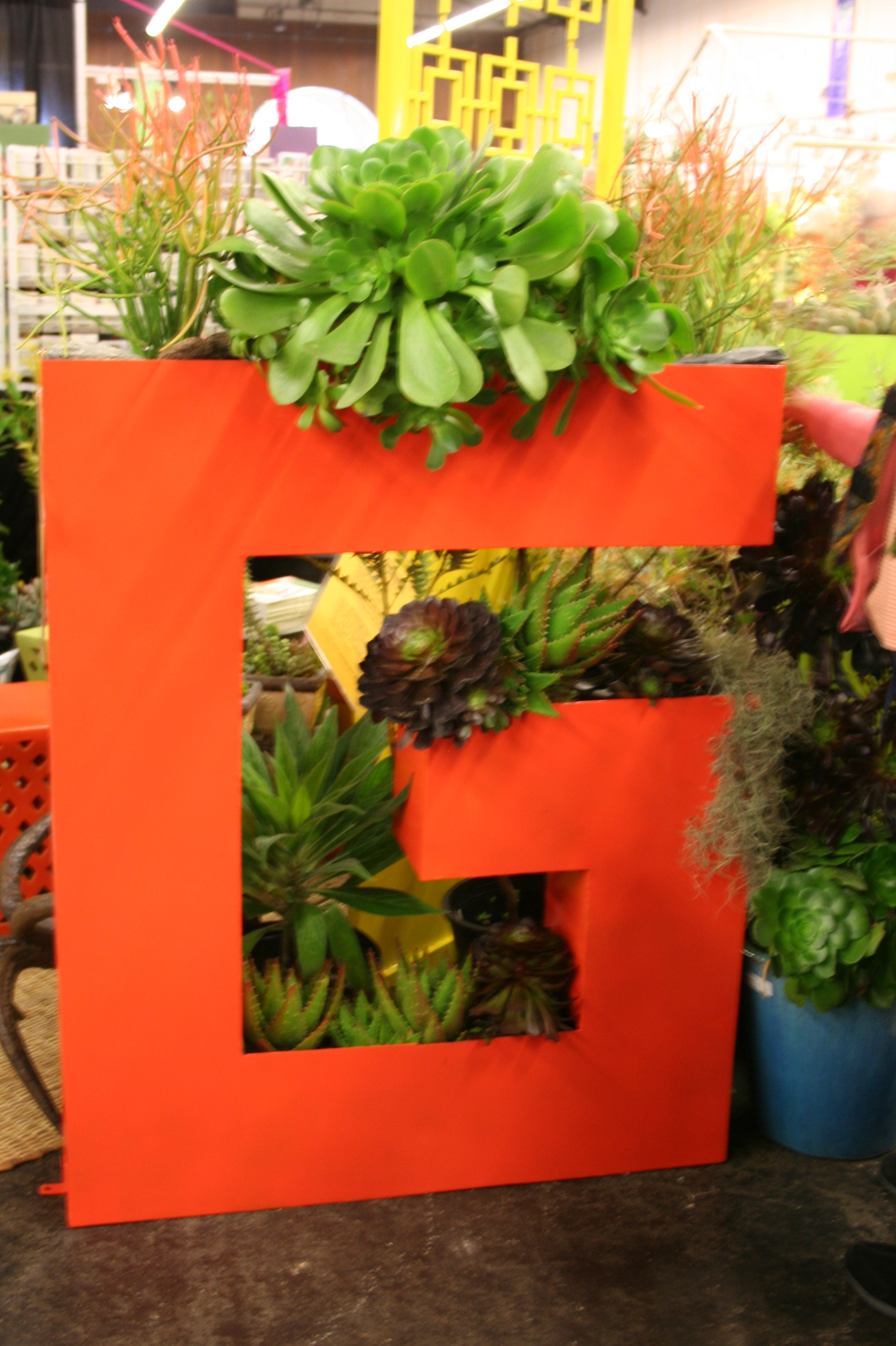 I loved this G  which stands for Gen  of course   And this wall idea could  totally be redesigned for balcony gardens. Contained  Planter Ideas for Balcony Gardens from the 2011 San