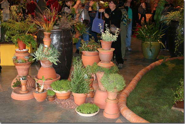 interesting ways with terra cotta pots