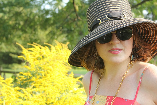 Wearing-a-hat-in-the-great-outdoors-photo-by-Kat-Reckling.jpg