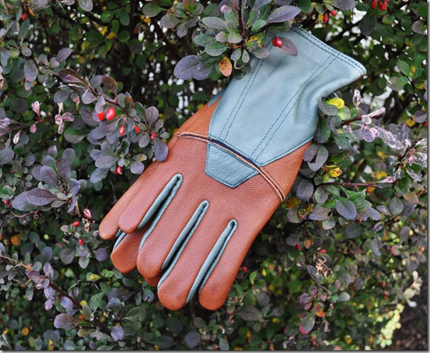 Post image for Lined Goatskin Gloves Keep Hands Warm For Winter Gardening